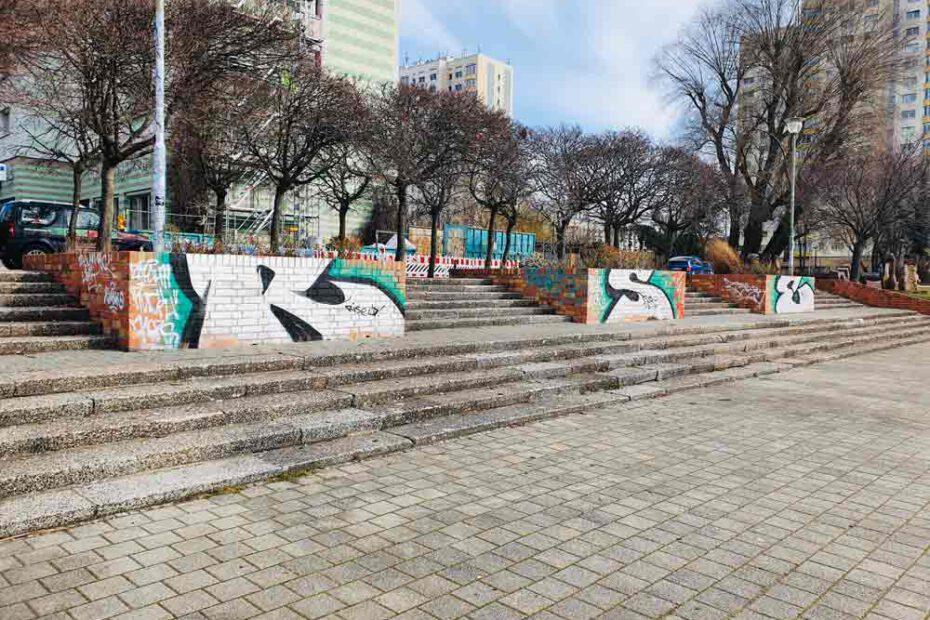Graffitientfernung_Mauern_Havelpromenade_Potsdam_WarDaWas_Berlin_Brandenburg_VORHER