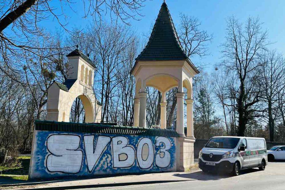 Graffiti-Entfernung Neugierde Grossglienicke Potsdam durch WARDAWAS GmbH (vorher-Bild)